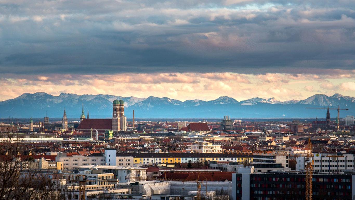 TPT Wire Bonder - Wire Bonder - Drahtbonder - Die Bonder Headquarter Hauptsitz Munich Germany