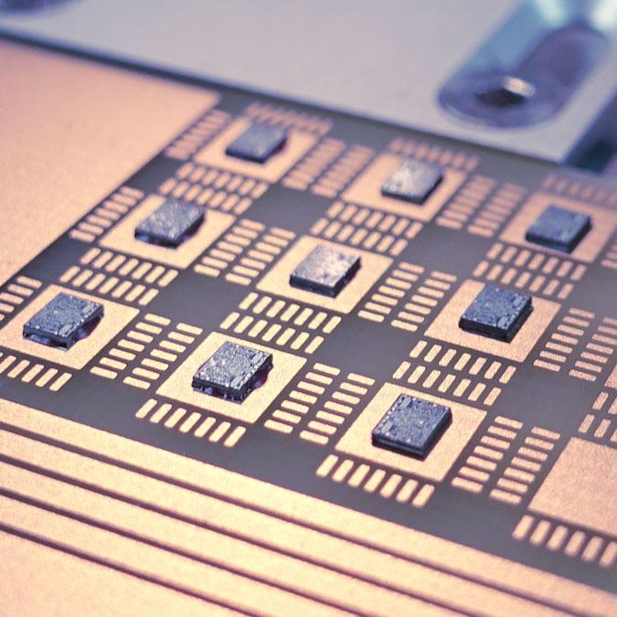 TPT Wire Bonder - Wire Bonder - Drahtbonder - Die Bonder - Service Mikroelektronik Bond Dienstleistungen Microelectronics Assembly Services Pick and Place Diebonding Diebonden Die Bonding